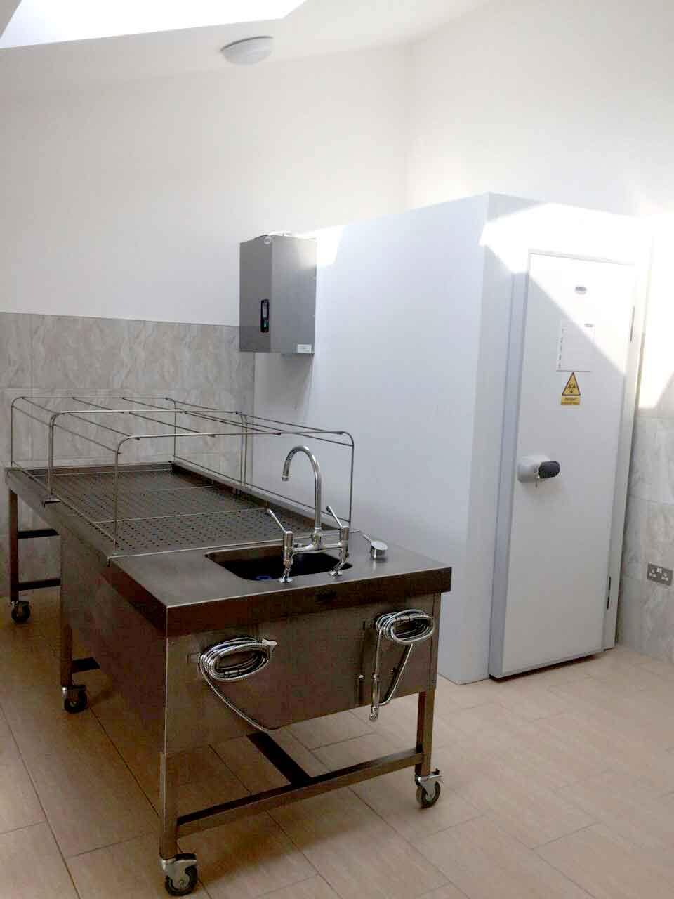 Ghusal Room, Ghusal Table, Islaic Washing room, Islamic Mortuary